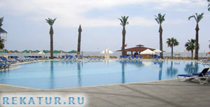 Бассейн отеля Mirada Del Mar